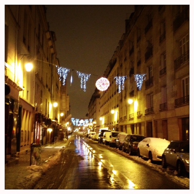 Ils t louis lights last night rue des deux ponts
