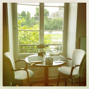 Le favre d'anne window seat where to eat in Angers