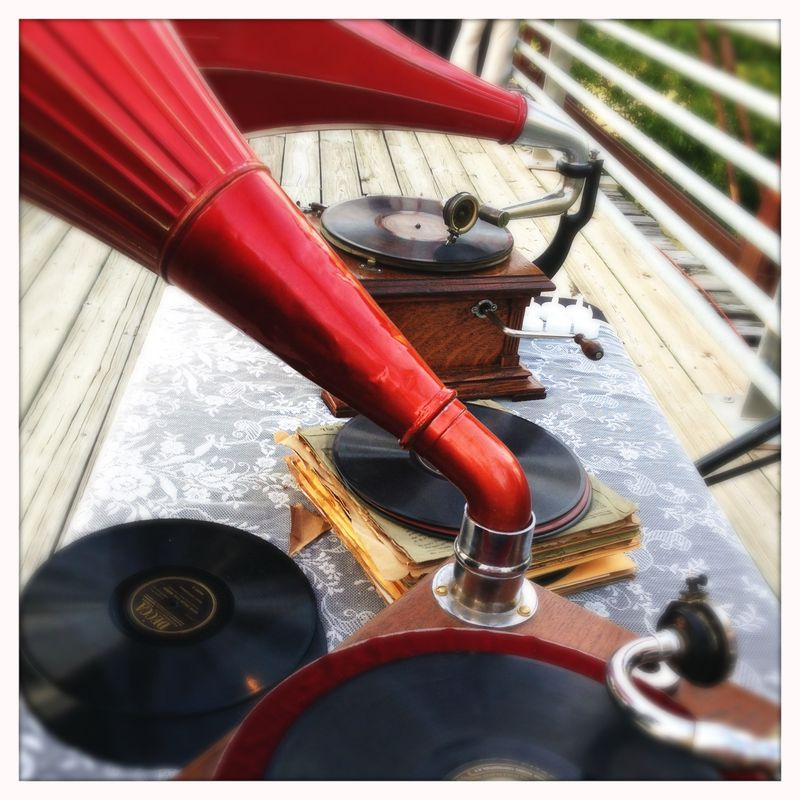 Vintage Phonographs Moore's Crossing Somewhere in Time