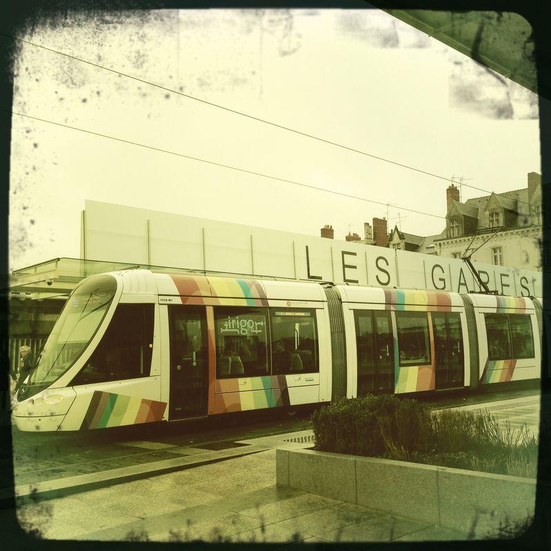 Angers la Gare et la tram